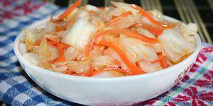 Капуста маринованная с морковью и уксусом