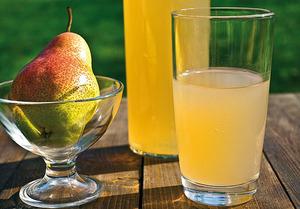 Грушевый сок - это вкусный и полезный напиток