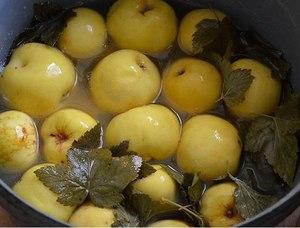 Рецепт помидор с яблоками