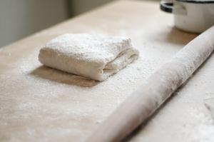 Как в домашних условиях делать слоеное тесто