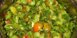 Салат из зеленых помидор акварель